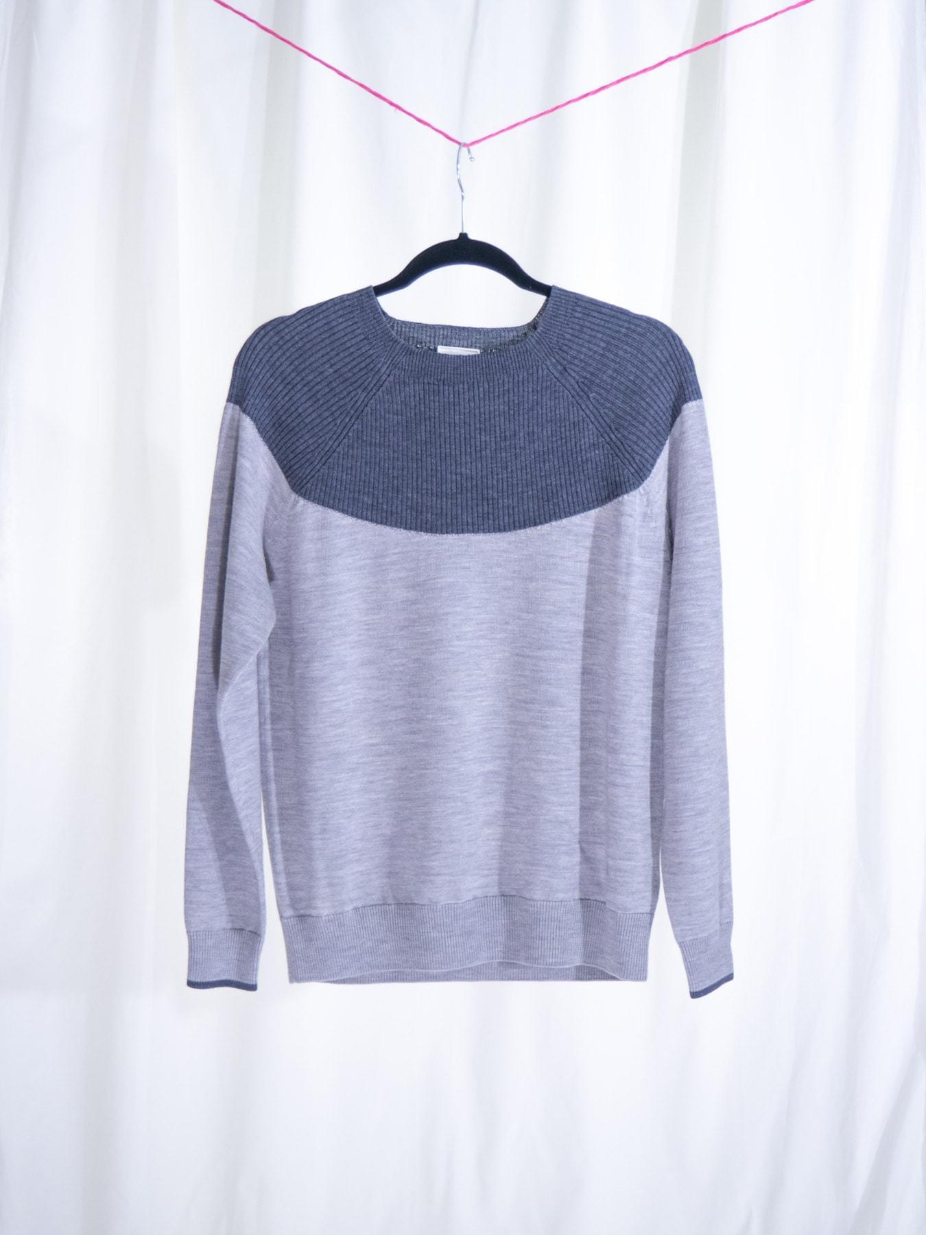 Colour blouse grey