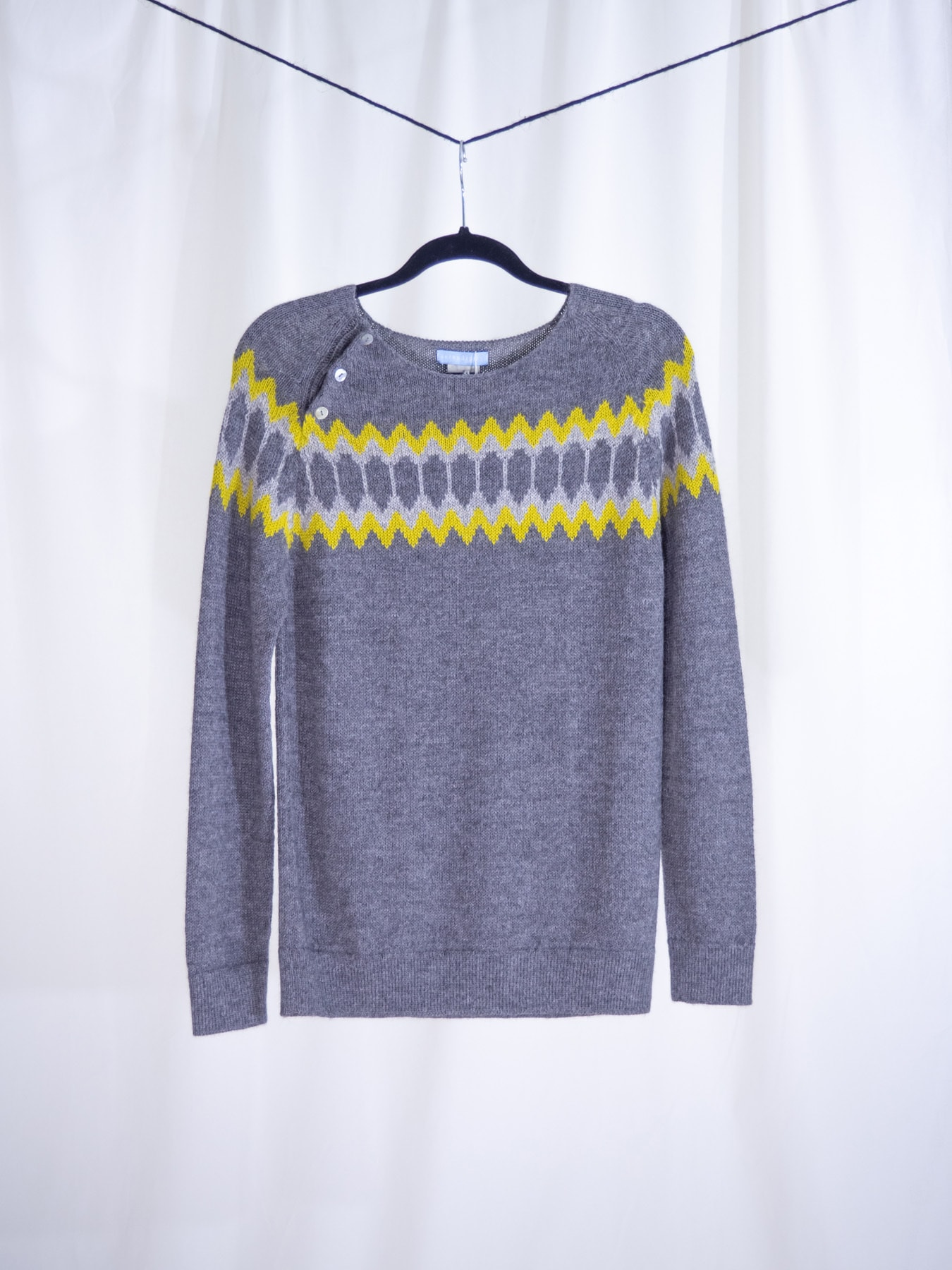 Raglan sweater grey and yellow