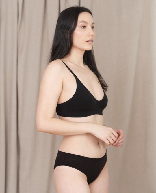 Ilze organic bra in black