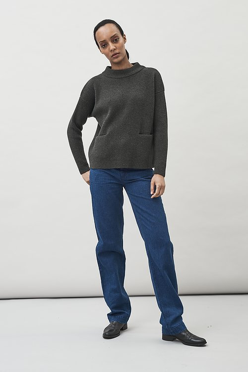 Helga wool sweater with pockets