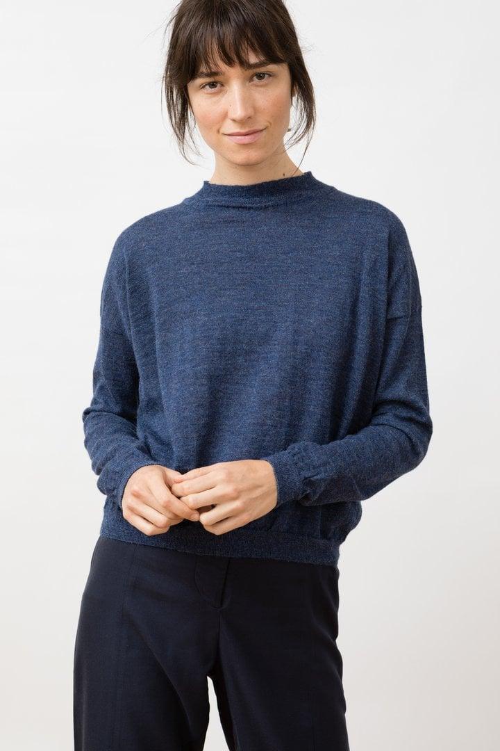 Mock neck knitted arvo sweater blue