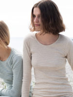bluse i økologisk bomuld – Oat/Offwhite – Rib stripe
